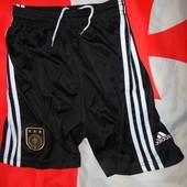 Спортивние фирменние футбольние труси шорти Adidas  зб Германии .м .