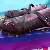 Туфельки тм Skechers 18. 5 см. Хорошее состояние.