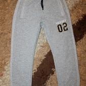 Спортивные штаны на мальчика 10-12 лет