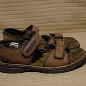 Добротные фирменные сандали из нубука цвета какао Rockport США. 9 W.