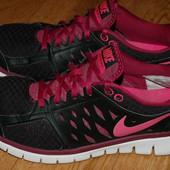 Кроссовки 38 р Nike хорошее состояние