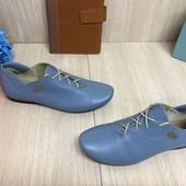 Женские кожаные кроссовки туфли