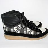 Демисезонные спортивные ботинки из натуральной кожи от River Island.Италия.