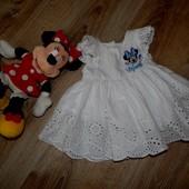 Нарядное платье с Минни от Дисней на 3-6 мес.