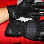Фирменние тактические  кожание утепленние перчатки бренд Kevlar .м-л .
