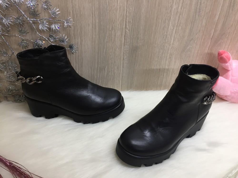 Кожаные женские зимние ботинки 39р.-24,5см. фото №1