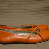 Задорные мягкие кожаные балетки ярко оранжевого цвета Bata Чехия 38 р.