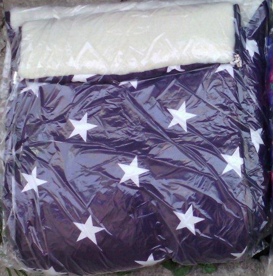 Конверт в санки и коляску на овчине 2 в 1. конверт+вкладыш. фиолетовый со звездами фото №1