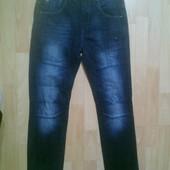 Фирменные джинсы 28 р.