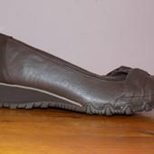 Кожаные фирменные женские кроссовки Skechers 38.5 р - Новые