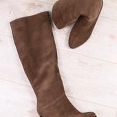 Зимние женские сапоги, цвет - латте, из натуральной замши, на каблуке, мех - европейка