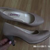 Carsona шкіряні елегантні туфлі 38р 24.4см