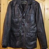 Элегантная фирменная кожаная куртка в стиле пиджака Blend Дания. S.