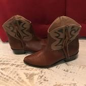 Ботинки із натуральної шкіри,від San Marina,розмір 39