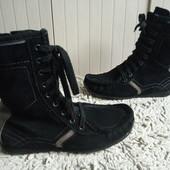 Esprit Ботинки Утеплені із нат.замші 39 р-р і устілка 25,5 См.Гарний стан.
