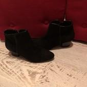 Ботинки із натуральної замші від Andre,розмір 38,устілка 25
