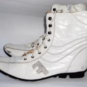 Демисезонные белые кожаные сапоги р.38  (стелька 25см)