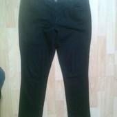 Фирменные укороченные джинсы L