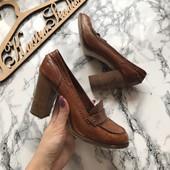 Стильные туфли лоферы на каблуке Creeks рр 38
