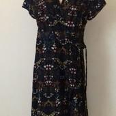 Новое платье с принтом большого размера