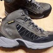 Кожаные фирменные ботинки Nike acg Gore-Tex р.40-25.5см.