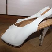 Стильні шкіряні босоніжки , туфлі з відкритим носочком zara