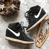 Замшевые спортивные ботинки сникерсы Nike рр 39-40