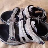 Кожаные фирменные сандалии Columbia р.46-31см.