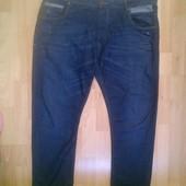 Фирменные джинсы Слим 40 р.