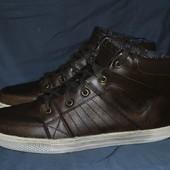 Лот №0354 Кожаные кроссовки Engbers (размер 43)