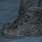 Лот №0358 Ботинки для трекинга Lowa (размер 38)