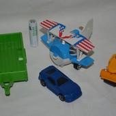 Разные фирменные игрушки транспорт машинки и не только прицеп каток самолетик