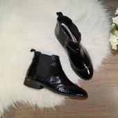 37р. 24см  Next  Кожа  Крутые базовые ботинки челси с декоративной перфорацией