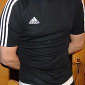 Спортивная фирменная футболка Adidas м-л .