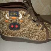 Демисезонные ботинки с ортопедической стелькой.
