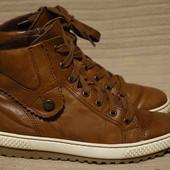 Отменные кожаные утепленные спортивные фирменные ботинки Gabor Германия. 37 р.