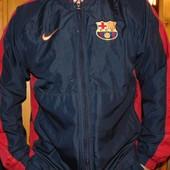 Спортивная фирменная курточка ветровка футбольная Nike ф.к Барселона ..л-м .