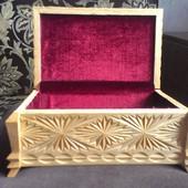 Шкатулка резная деревянная ручной работы 13 х 20 х 8 см новая