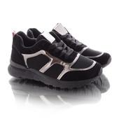 Стильные женские черные кроссовки