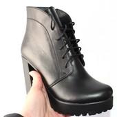 Женские кожаные ботинки на высоком каблуке