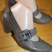 38 разм. Фирменные туфли Janet D. Кожа снаружи и внутри Длина по внутренней стельке - 24,5 см.,   ши