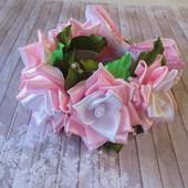 Нежная и нарядная резинка на пучок, гульку с цветами. В наличии!