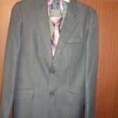 Пиджак + брюки - школьный костюм для старшеклассника в идеальном состоянии, носился не долго.  Качес