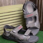 Стильные удобные мужские сандалии серого цвета