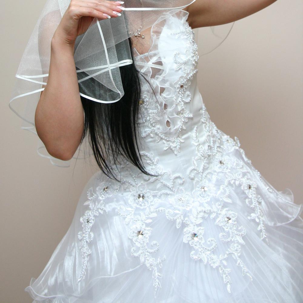 Роскошное свадебное платье с кристаллами сваровски фото №1