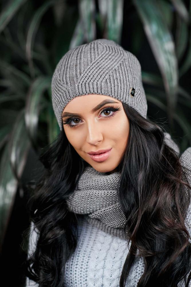Женская теплая шапочка фото №1