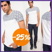 мужская футболка De Facto белого цвета  в голубые узоры на плечах