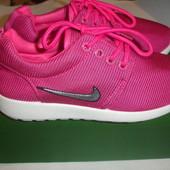 Стильные яркие легкие кроссовки девочке 35-36 размер