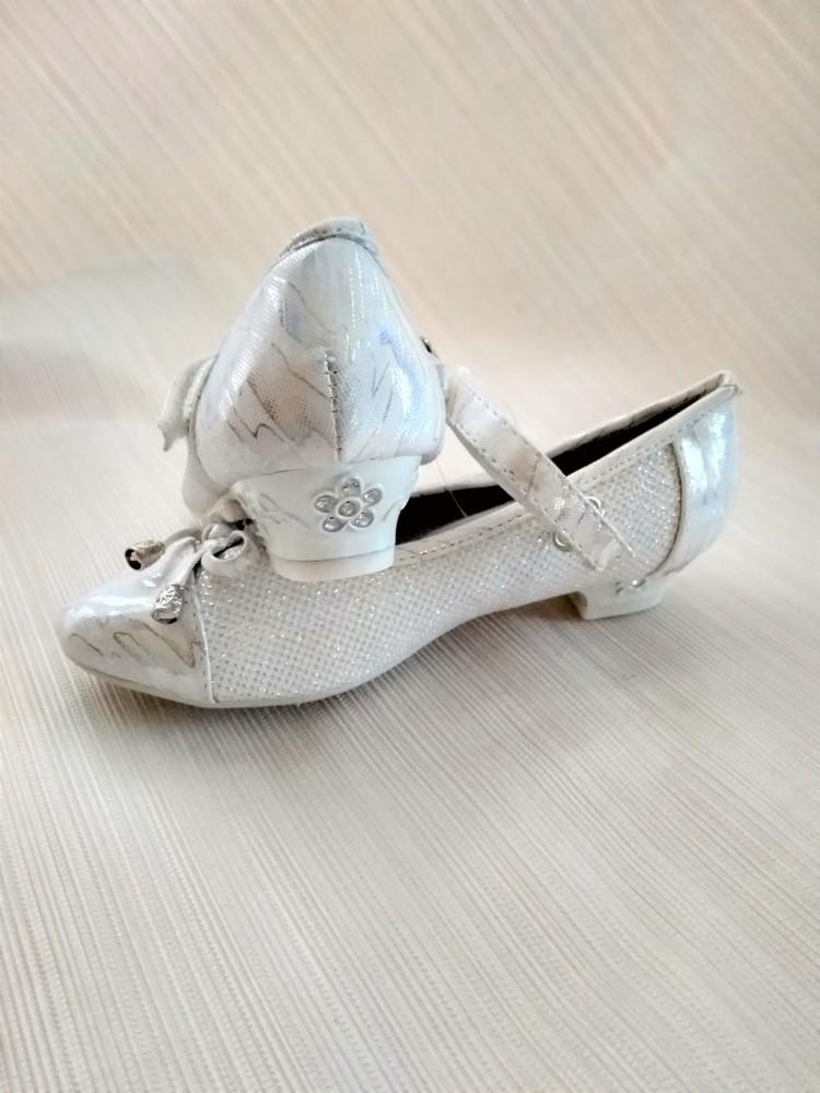 f868b1a5a Туфли для девочки нарядные белые, цена 185 грн - купить Туфли и ...