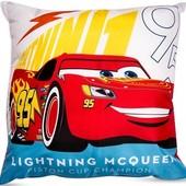 Декоративная подушка для детской Тачки 40х40, Молния Маквин и Джексон Шторм